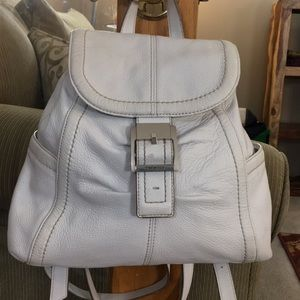 💕Tignanello white leather med backpack purse euc